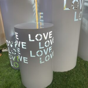 AI234 LOVE round plinth set of 3 with light
